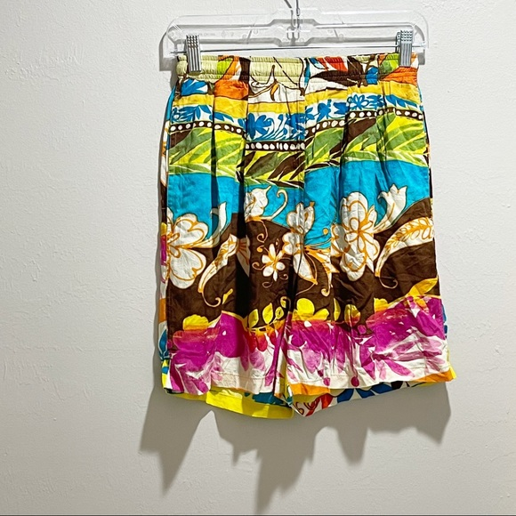 Vintage JAMS WORLD Women's Floral Pleated Shorts